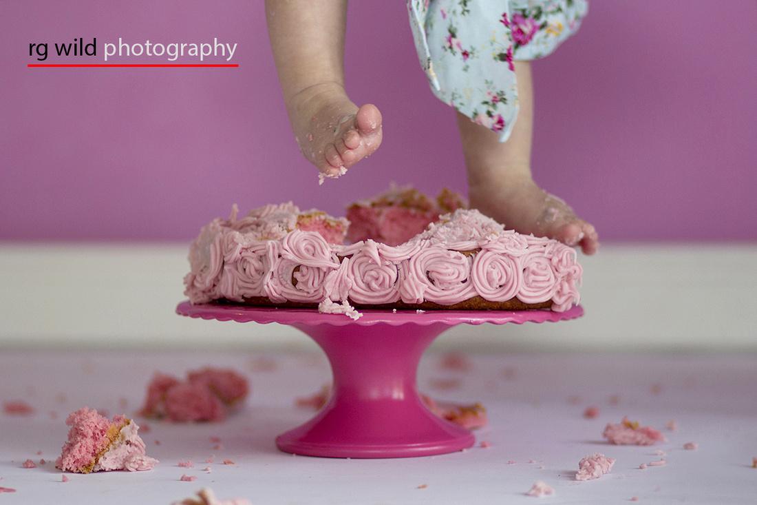 Cake Smash | Image by Linda Wild | RG Wild Photography